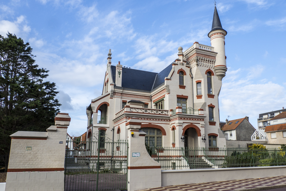 A Crazy Castle in Le Touquet  8070820