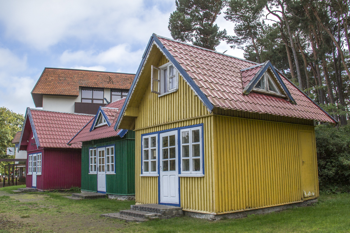 Colourful Summer Houses in Nida in Lithuania   0071
