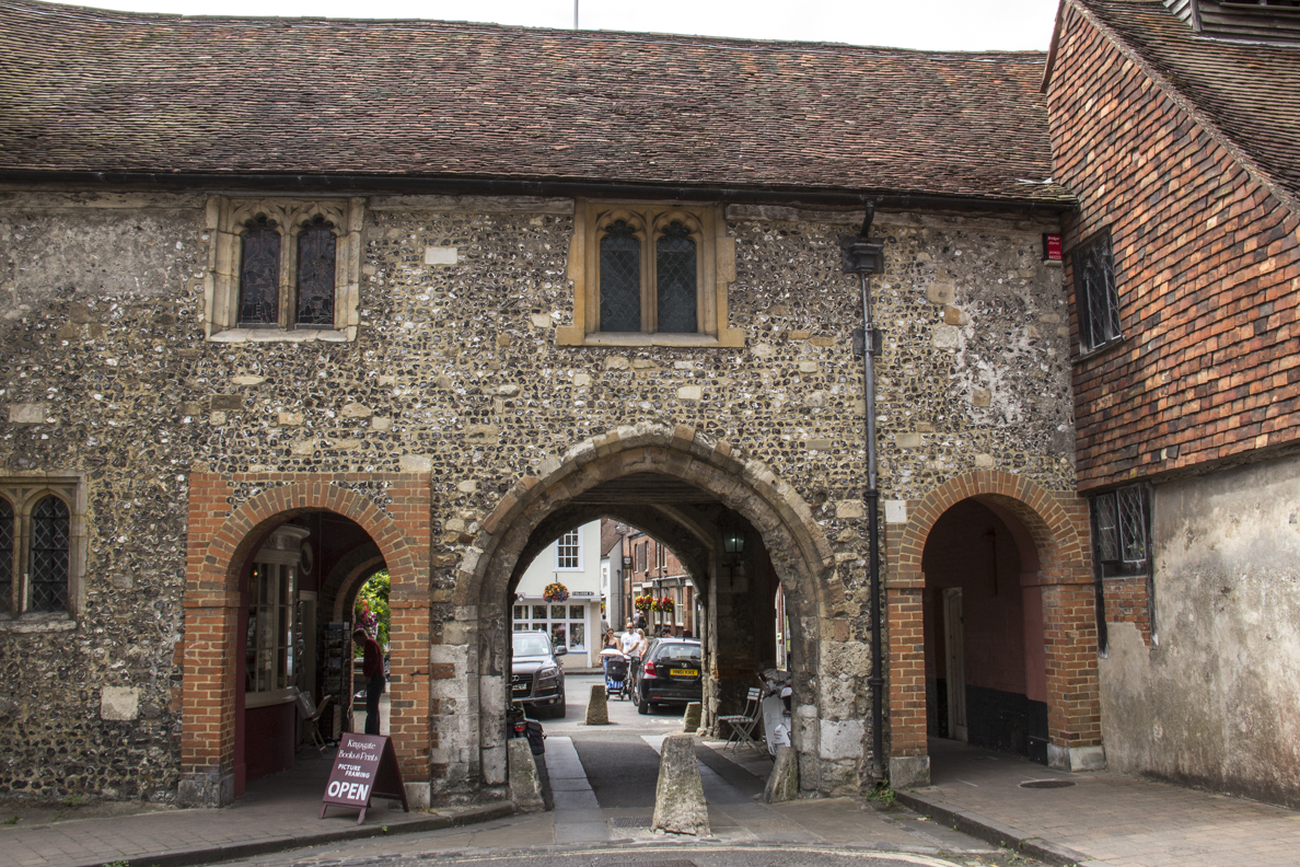 Kingsgate in Winchester, Hampshire, England 2420