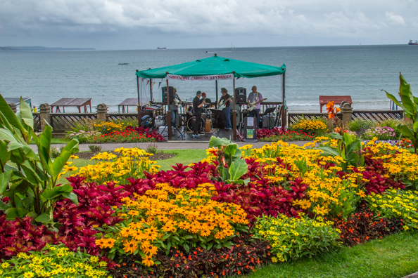 Live music in the Greenhill Gardens in Weymouth, Dorset, UK