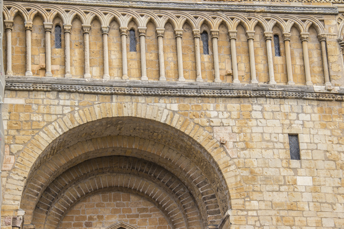 Romanesque semi circular arch at Lincoln Cathedral in Lincoln 20180934