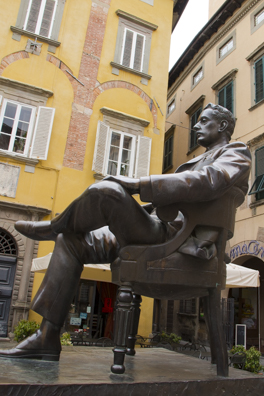 Statue of Giacomo  Puccinii in Corte San Lorenzo in Lucca, Tuscany in Italy