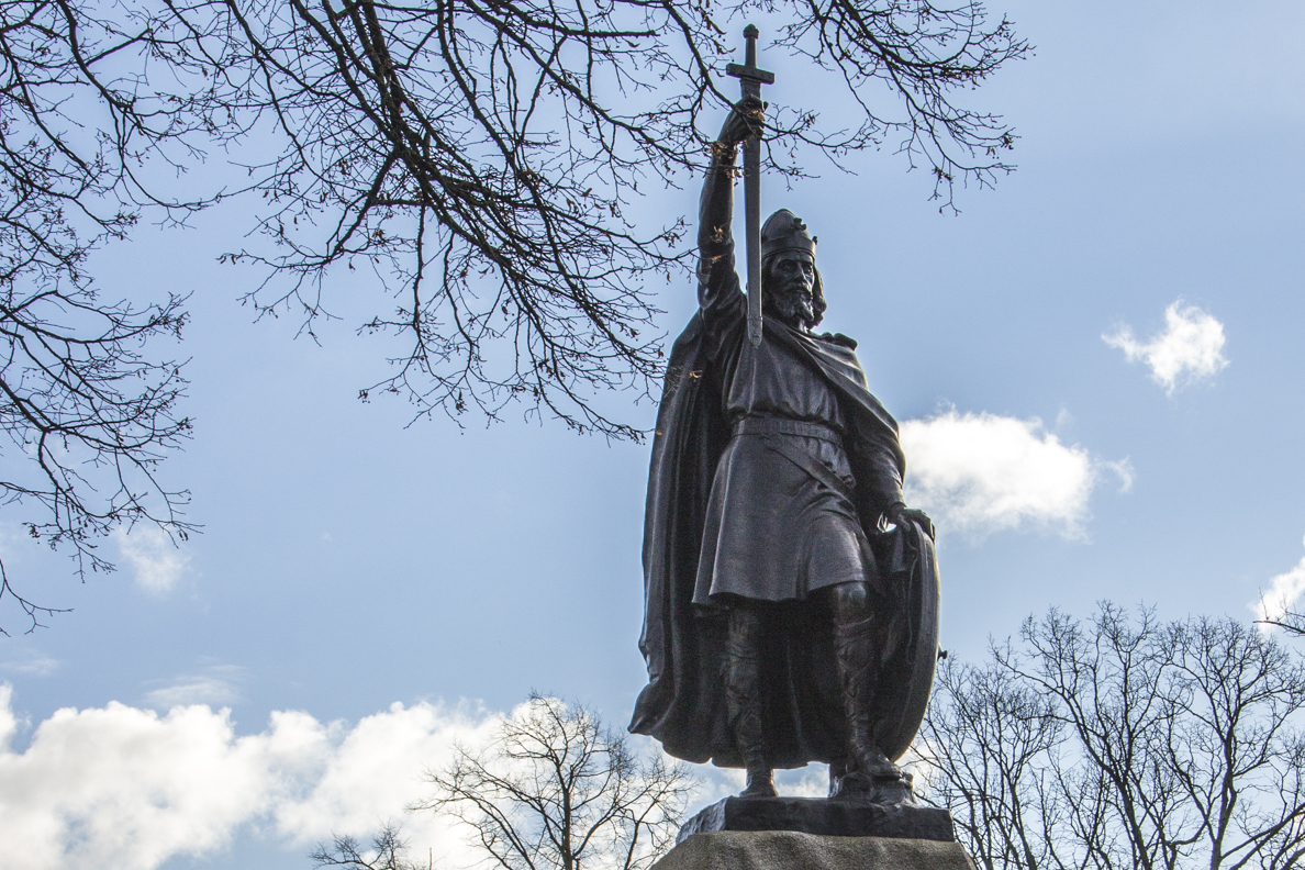 Statue of King Alfred in Winchester, Hamphsire, England 20184203