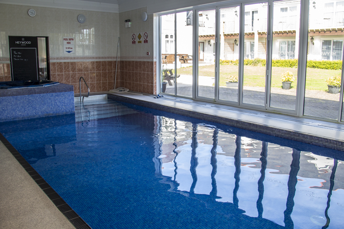 Swimming pool in the Heywood Spa Hotel in Tenby in Pembrokeshire, Wales  6173
