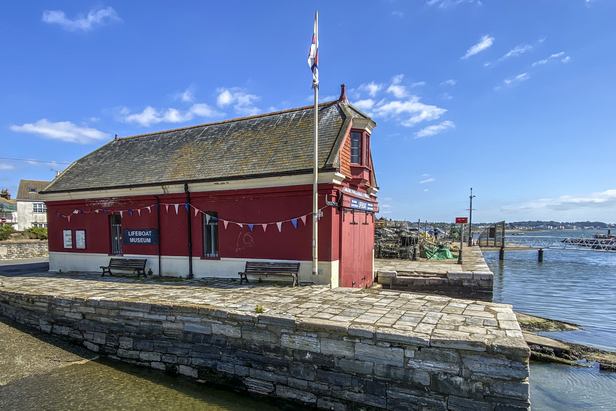 The Old Lifeboat Station in Harbourside Park, Poole5761
