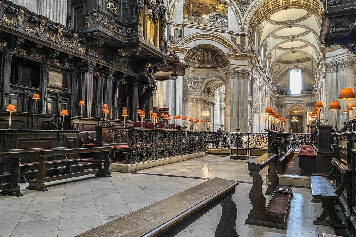 The Quire in St Paul's Cathedral in London     IMG 4196
