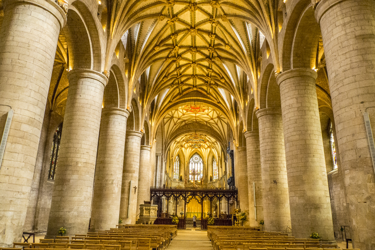 The Stunning Interior of the Abbey in Tewkesbury    022028