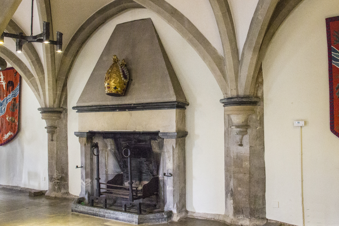 The undercroft in the Biship's Palace in Wells, Somerset, England   20185309