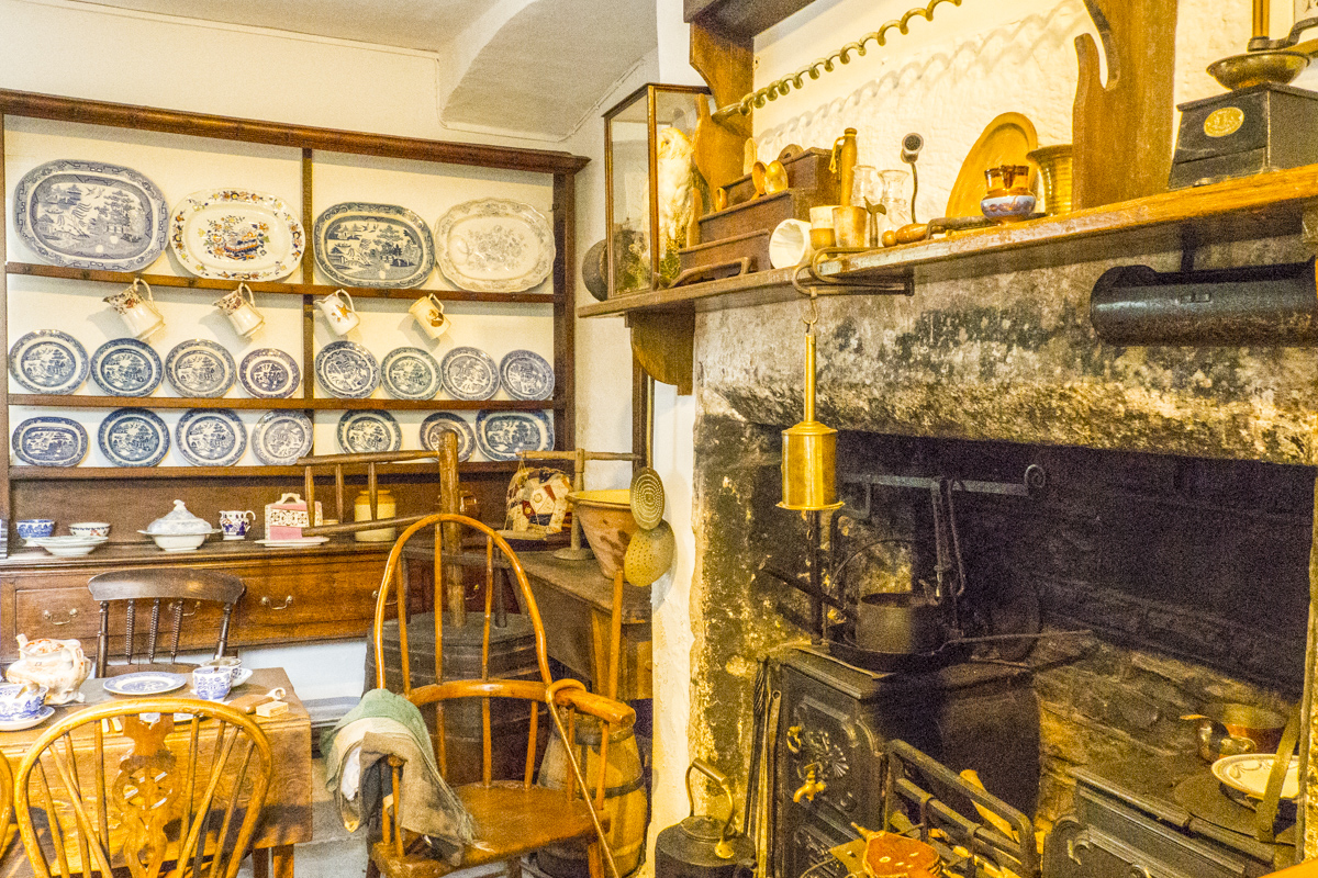 The Welsh Kitchen in the Castle Museum in Abergavenny in Wales 5101103